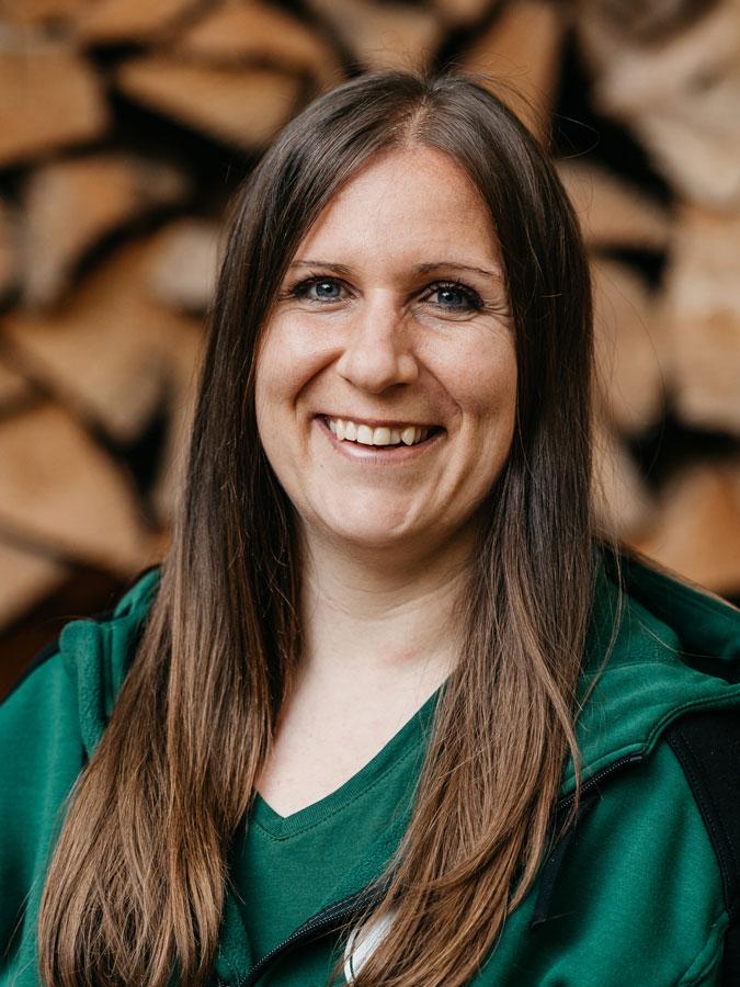 Esther Schärli, Personal / Organisation